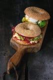 Bagels με το σολομό και το αυγό Στοκ Εικόνα