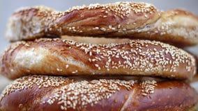 Bagels arrosés avec les graines de sésame Photo stock