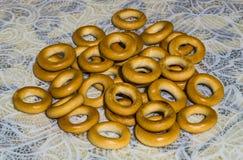 Bagels dourados do estilo de vida saudável Foto de Stock Royalty Free