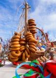 Bagels e lembranças dedicados ao feriado de Maslenitsa Imagens de Stock Royalty Free