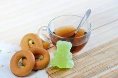 Bagels et confitures d'oranges de thé Photos stock