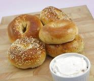 Bagels frais assortis Photo stock