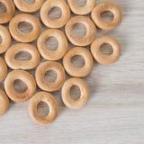 Bagels sur un fond en bois Photographie stock libre de droits