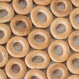 Bagels sur un fond en bois Image stock