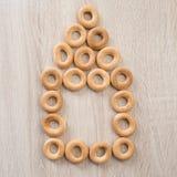 Bagels sur un fond en bois photos libres de droits