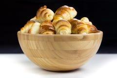Bagels w drewnianym pucharze Fotografia Royalty Free