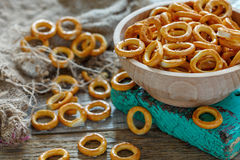 Free Bagels With Salt In A Wooden Bowl. Royalty Free Stock Photos - 80955858