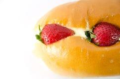 Bageri med jordgubben och kräm Royaltyfri Bild