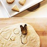Bagerikaka som lagar mat läckert kexbegrepp Fotografering för Bildbyråer
