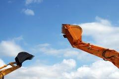 Bagger contro il cielo fotografie stock libere da diritti