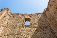 Bagni di Caracalla, rovine antiche dei thermae pubblici romani fotografia stock libera da diritti