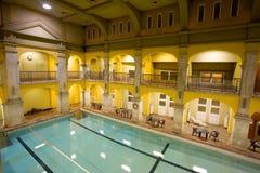 Bagni pubblici eleganti interni fotografia stock