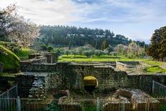 Bagni romani nella città di Fiesole tuscany L'Italia immagini stock
