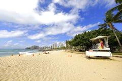 Bagnino sulla spiaggia di Waikiki Fotografie Stock Libere da Diritti