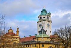 Bagno e piscina pubblici famosi a Monaco di Baviera fotografia stock