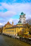 Bagno e piscina pubblici famosi a Monaco di Baviera immagine stock libera da diritti
