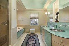 Bagno matrice con vanità di verde di calce immagine stock
