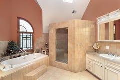 Bagno matrice nella casa di lusso fotografie stock