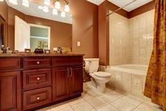 Bagno marrone e beige moderno stock images 86 photos - Bagno marrone e beige ...