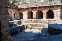 Bagno reale antico o Hamam nel palazzo della nave di Mandu India fotografie stock libere da diritti