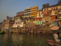 Bagno santo di Gange a Varanasi Fotografia Stock