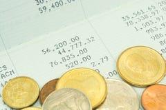 Bagno tailandese dei soldi sul libretto di banca di conto di risparmio Immagine Stock Libera da Diritti
