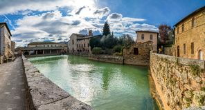 Bagno Vignoni中世纪村庄在托斯卡纳 免版税图库摄影