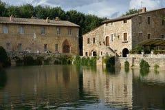 Gammala thermalbad i Bagno Vignoni Arkivbild