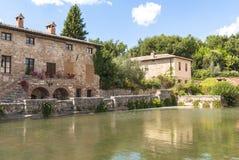 Bagno Vignoni, Toskana, Italien. Stockfotografie