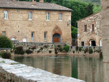 Bagno Vignoni w Tuscany. Obrazy Stock