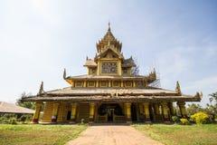 BAGO-MYANMAR-DECEMBER 27: Kambawza Thardi slott på December 27, 2015 i Bago, Myanmar Arkivfoto