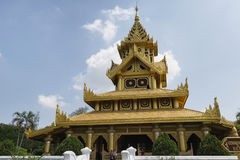 BAGO MYANMAR, MAJ, - 6, 2017: Pszczoła Tronowy Hall, Kanbawzathadi pałac, Bago, Myanmar Obrazy Royalty Free