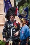 Bagpiper i marynarki wojennej weteran pozuje dla fotografii Zdjęcie Royalty Free