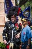 Bagpiper i marynarki wojennej weteran pozuje dla fotografii Zdjęcie Stock