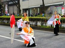 Bagpipes στην παρέλαση ημέρας του ST Patricks στο πολυάσχολο στο κέντρο της πόλης Τόκιο Στοκ Εικόνα