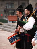 Bagpipes-Bänder in Asturias, Spanien lizenzfreie stockfotos