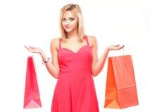 bags den älskvärda shoppingkvinnan Royaltyfri Bild