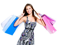 bags den lyckliga shoppingkvinnan arkivfoto