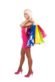 bags härligt bärande shoppingkvinnabarn Royaltyfria Bilder