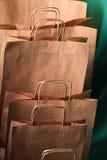 bags paper shopping för gåvan Arkivfoton