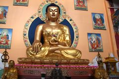 乌兰乌德,俄罗斯,03 15 佛教神2019个雕象在一个佛教教会仁波切Bagsha里 免版税图库摄影