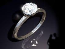 Bague de fiançailles de diamant Photographie stock