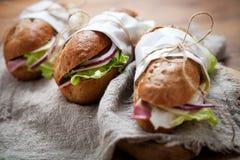 Baguette avec du jambon photo libre de droits