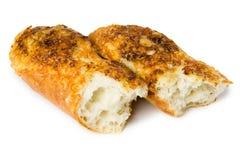 Baguette rotte con formaggio ed aglio Immagini Stock Libere da Diritti