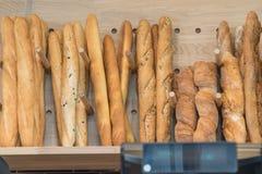 Baguettes in een bakkerij Stock Afbeeldingen