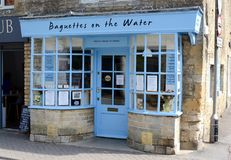 Baguettes na nawadniają sklep Zdjęcie Royalty Free