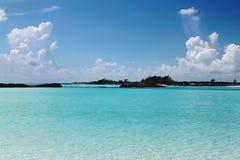baguio Вода бирюзы Атлантического океана и голубого неба атмосфер Стоковая Фотография RF