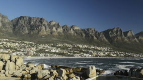 Bahía Cape Town Suráfrica de los campos almacen de metraje de vídeo