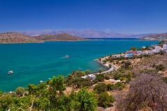 Bahía con la laguna de la turquesa en Crete foto de archivo libre de regalías