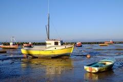 Bahía con marea baja Lancashire Reino Unido Inglaterra de Morecambe del barco amarillo Fotografía de archivo